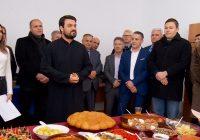 Различни етнички заедници го одбележаа Бадник