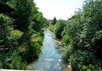 (ВИДЕО) Се расчистуваат одводните канали во кумановско